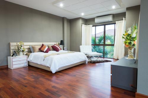 Carpet Vs. Hardwood Flooring In The Bedroom | Floor Coverings International Bloomington